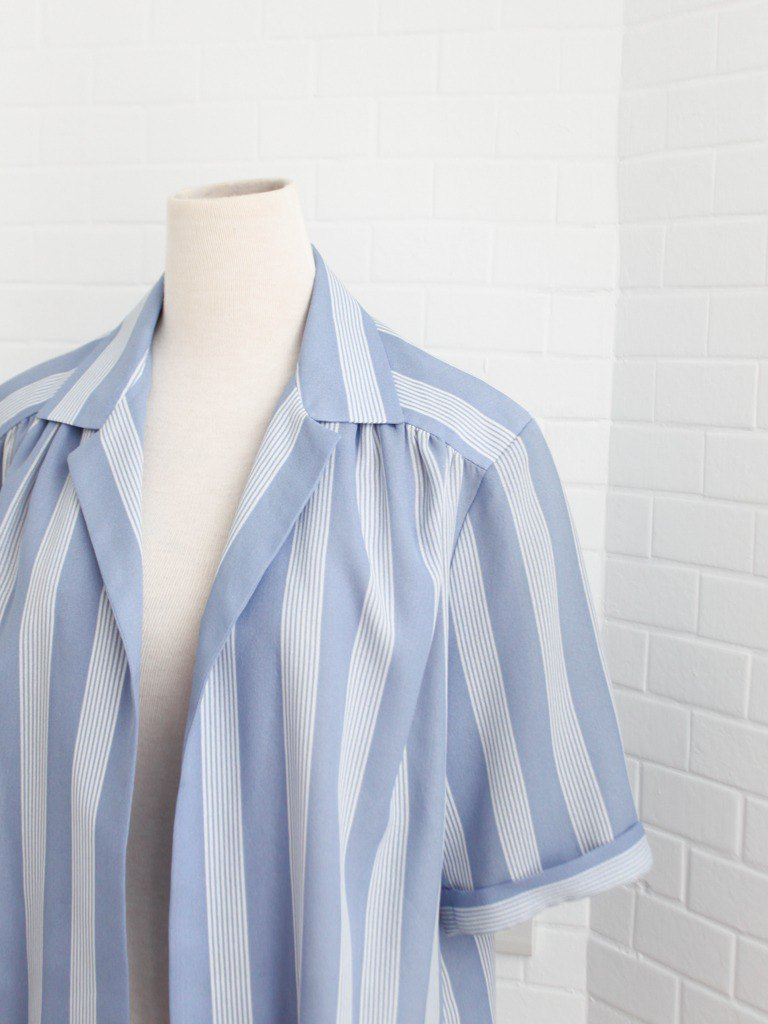 Retro European early autumn simple light blue striped loose short-sleeved vintage blouse shirt
