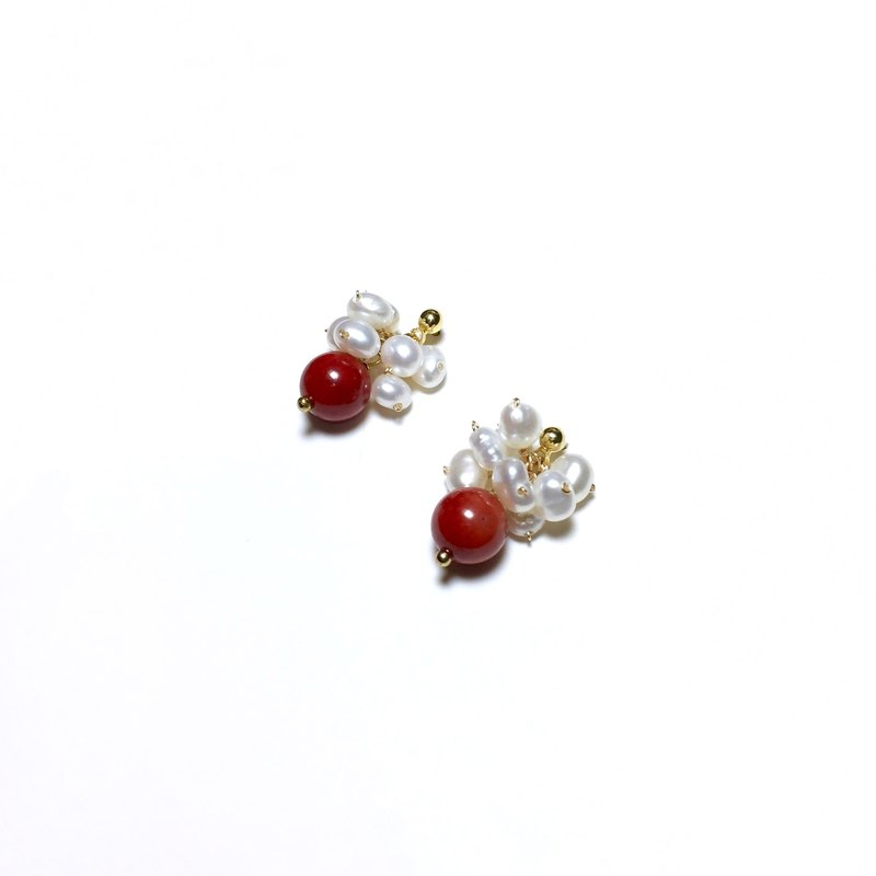 【】 If the mulberry】 【spring color. Red Coral & Natural Pearl. Imported 18k gold earrings / earrings / ear clip / no ear hole for.