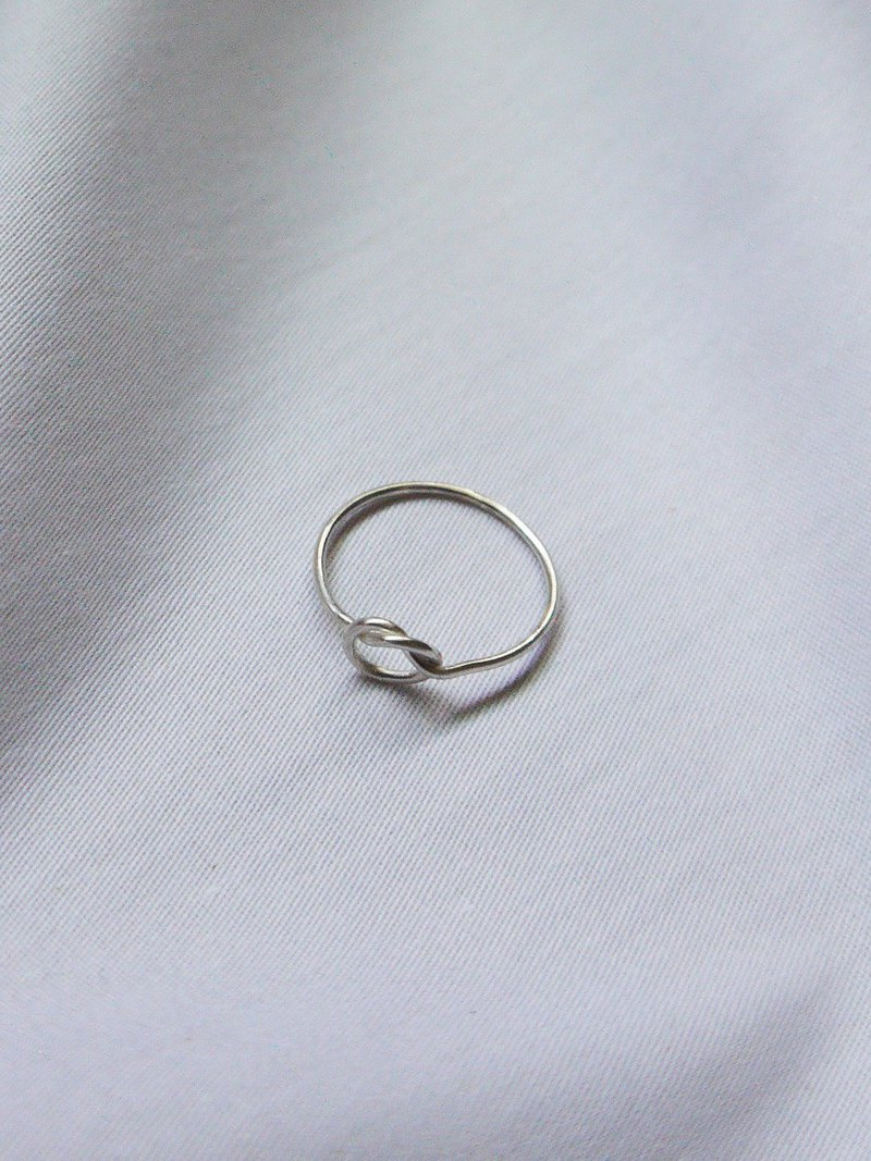 Single knot ring - 925 sterling silver ring