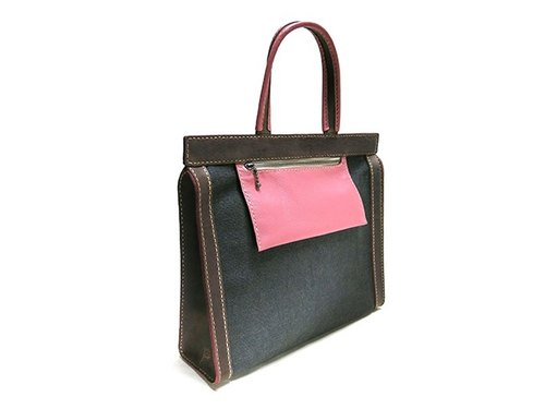 Gallery pillar bag ~ triangular column series