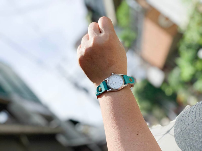 EDGE A refreshing blue edge knit watch that won't lose to the sea or the summer sky EKW-TT