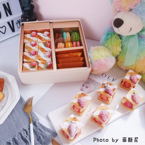 【Sold out】【Raspberry Laugh】New Year's Day macarons gift box