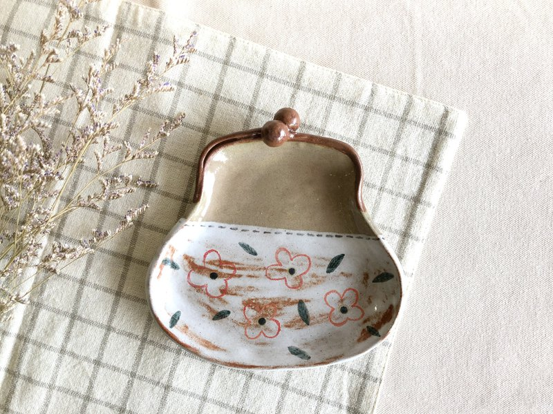 Gold bag - styling plate - painted pottery plate