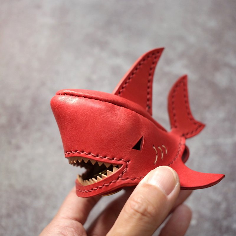ONE+ Bruce shark Key holder