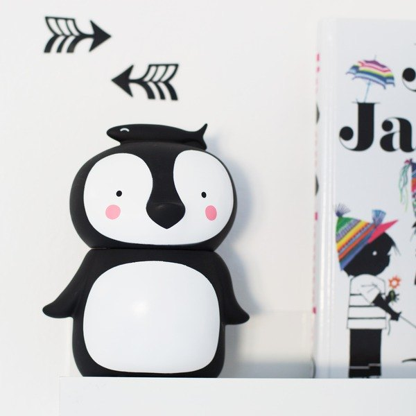 [Out of print sale] Netherlands a Little Lovely Company – cool black penguin piggy bank