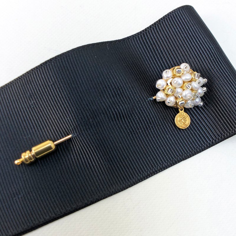 Japanese Style Pearl Brooch 【Mini Coin】【Wedding 】【Christmas Gift】【Birthday Gift】