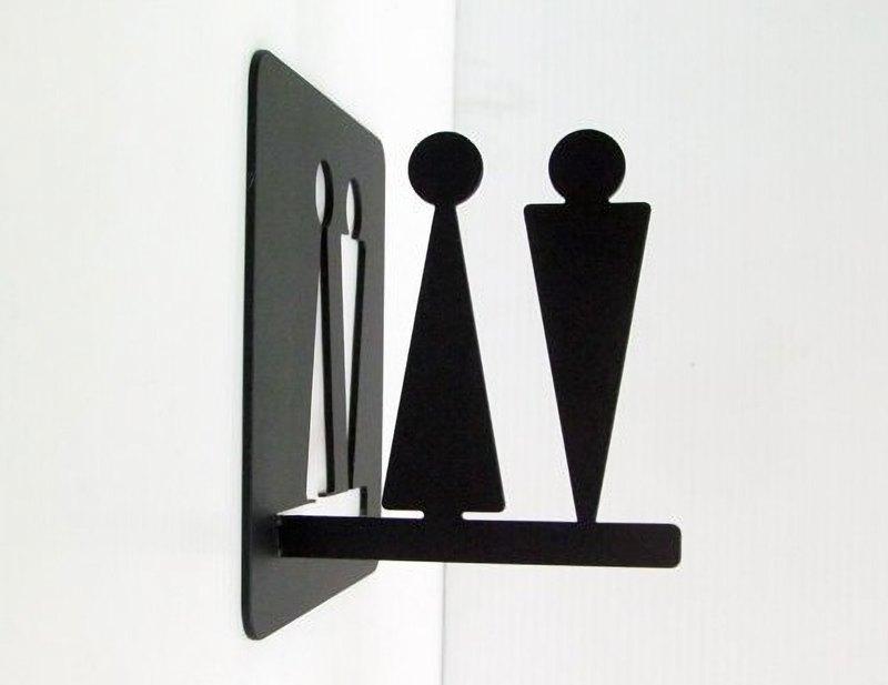 正面跟側面都可看到標示 大款不鏽鋼廁所標示牌 15x15cm 化妝室牌