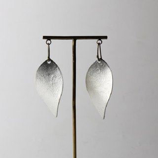 Pure tin leaf earrings (ice pattern)