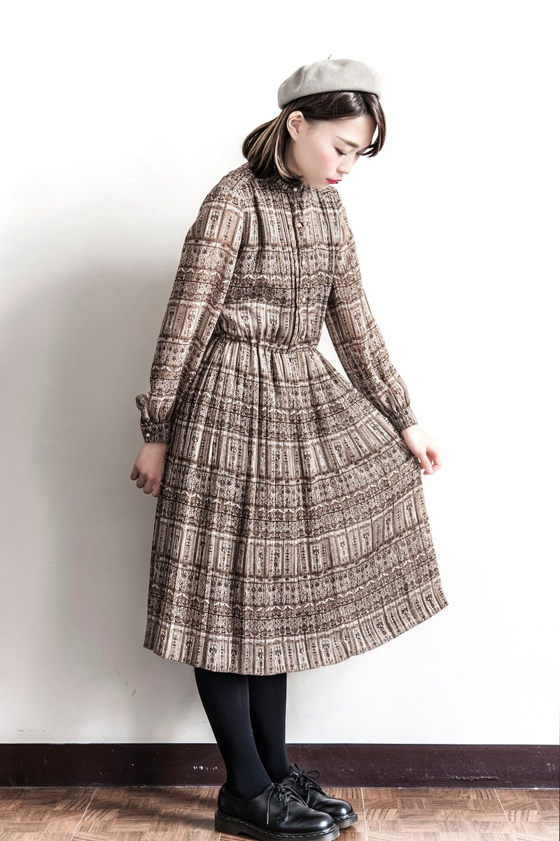 Vintage cocoa color vintage long-sleeved dress