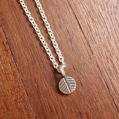 【Grooving the beats】Silver Necklace, Leaf charm necklace