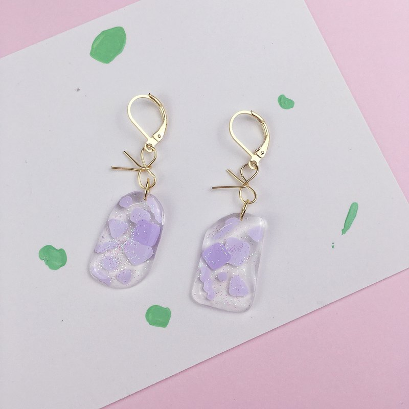 A pair of alluring taro Purple Bow irregularly Earrings