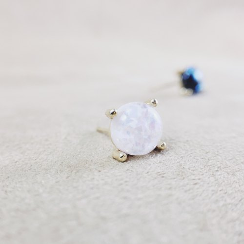 Starry Night - Moonlight White Earrings (pair) = can be changed ear clip =