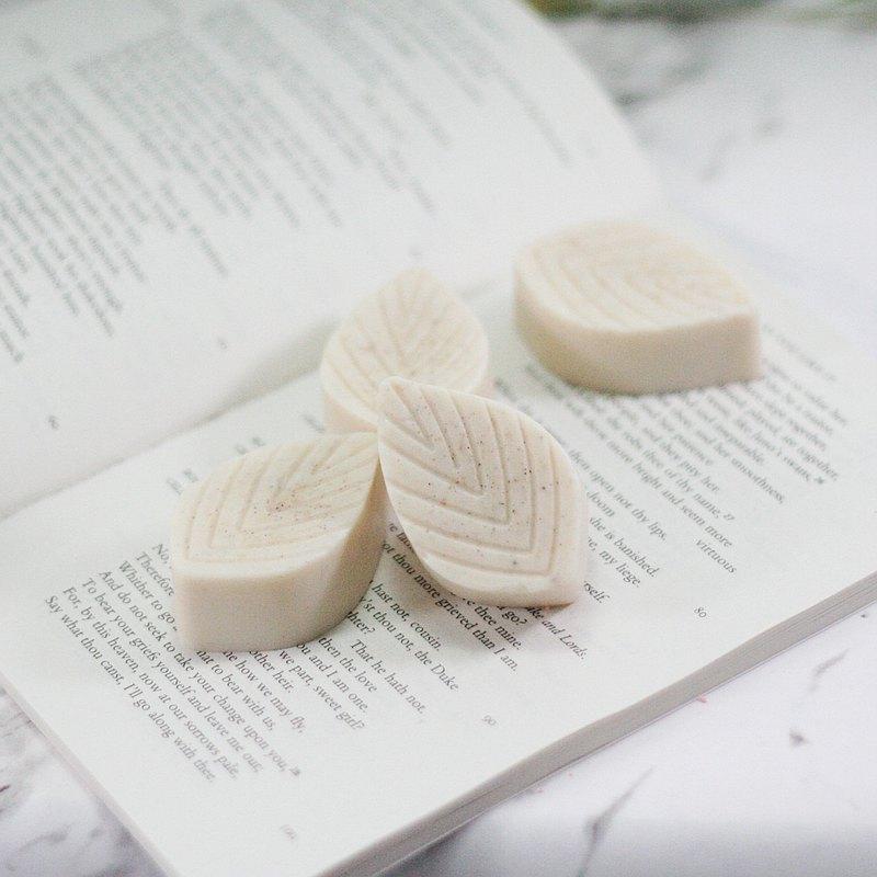 蒟蒻乳清+薏仁手工皂 溫和去角質 適合中性肌膚 泡沫細緻 天然