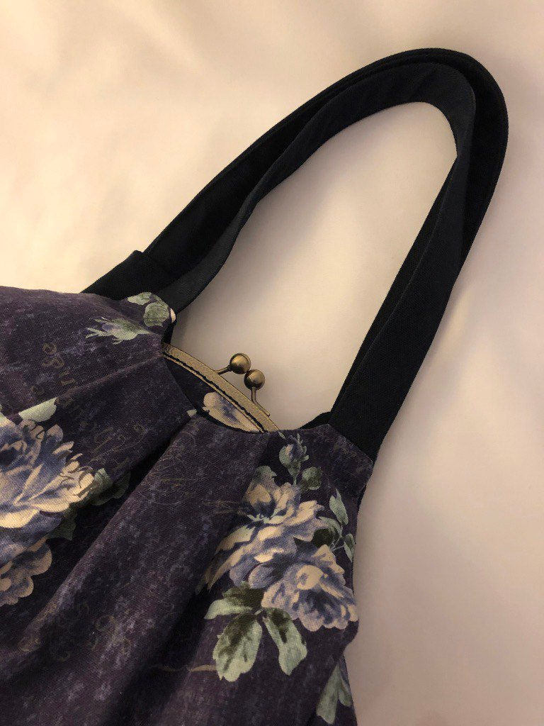 Flower three-layer gold shoulder bag on blue-violet fabric - custom order heating limited