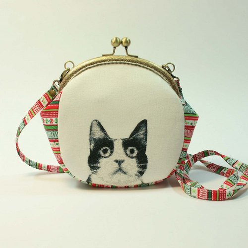 Embroidery 16cmU mouth gold oblique bag 03 - black and white cats