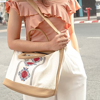 Hoola Rose White Lucia Bag