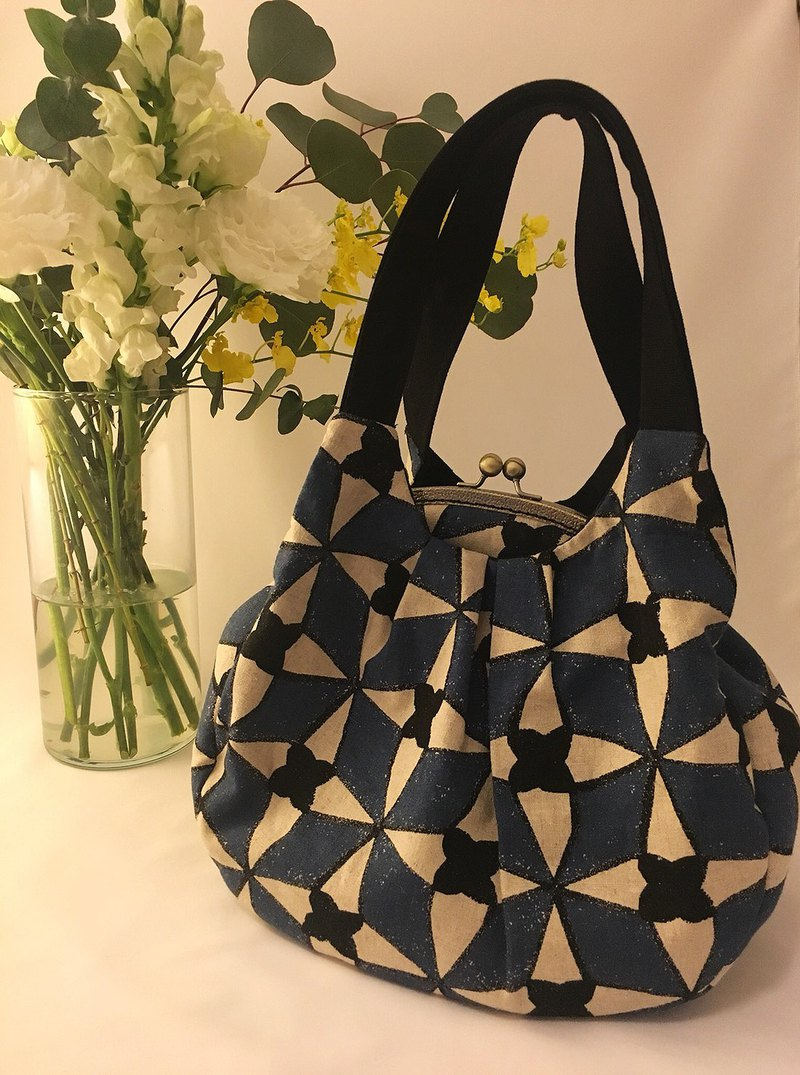 French simple lattice diamond shoulder bag