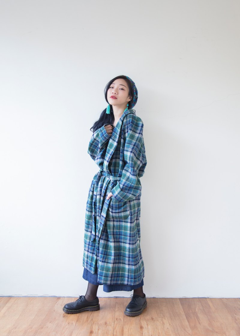 Banana cat. Banana Cats Blue Green Check Plaid Nightgown Coat Sleeping coat / smoking jacket