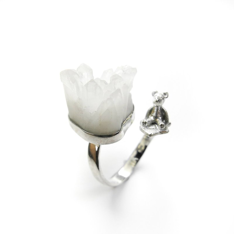 READ Dazzling Home sterling silver ring white crystal polar bear iceberg