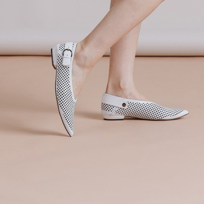 Pore-like cortex soft leather pointed leather shoes white