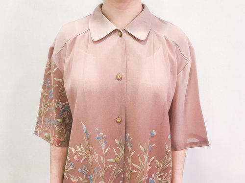 …{DOTTORI :: TOP}Milky Pink Floral Short-Sleeved Shirt