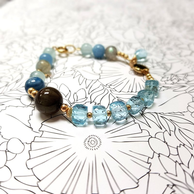 Girl crystal world [clear color plate] - Topaz bracelet bracelet natural crystal gem hand made