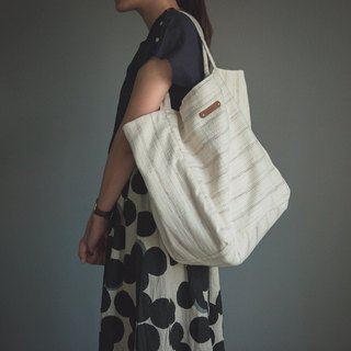 Large capacity cotton and white bag