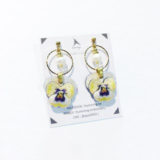 humming-Embroidery earrings | Pansy
