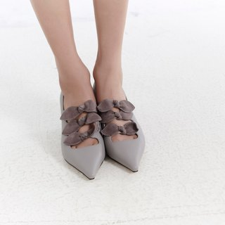 Flannel bow pointed leather thick heel shoe ash