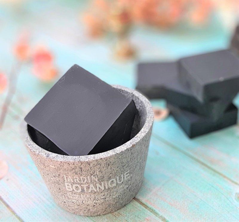 黑鑽備長碳保濕平衡皂