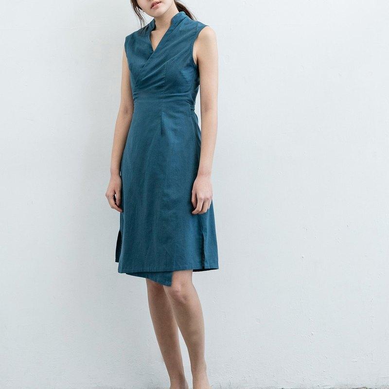 立領綁帶無袖洋裝 - 丈青