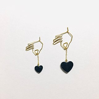 <For one ear> hanging heart (black)