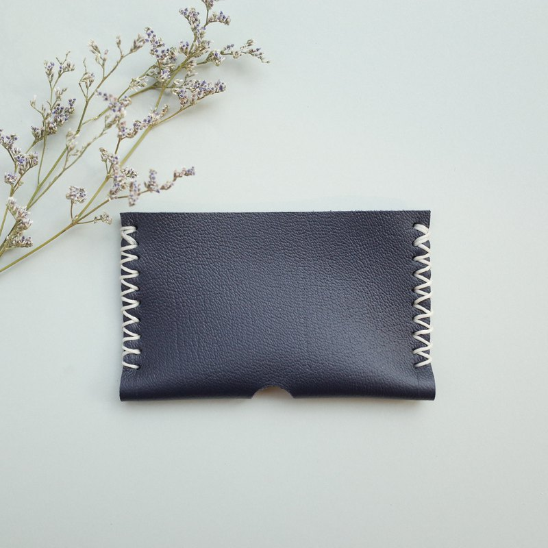 Hand stitch leather card holder in black