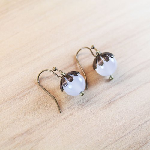 【Collection of gold lake】 long fruit earrings black and white models | clip-style earrings earrings can be changed for sterling silver needles | white agate | brass plated bronze | natural stone earrings, Chinese ancient style jewelry E17