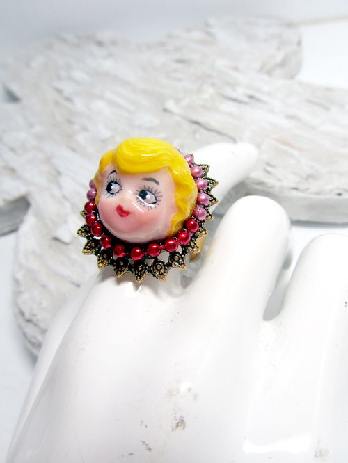 TIMBEE LO imitation ceramic ring aristocratic lady head wind