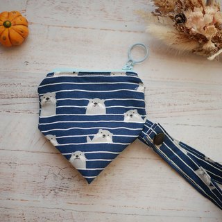 Small sea otter three-dimensional triangle pacifier bag