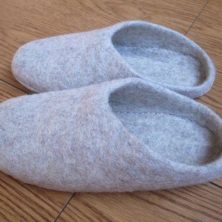 Felt  Sippers / Felted Shoes / Wool Slippers / House Shoes / Indoor shoes Cream