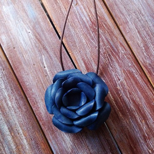 Three - use leather brooch hairpin necklace blue leather made Kai handmade leather
