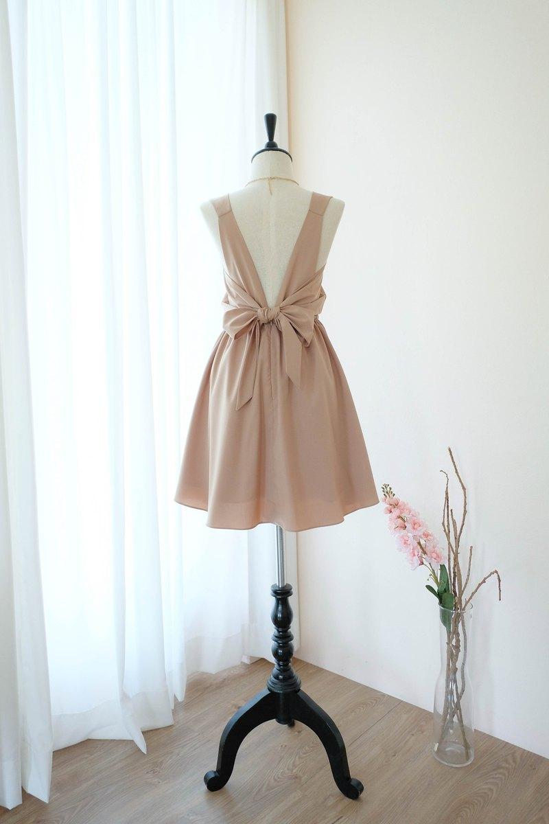 溫暖的灰褐色禮服伴娘禮服露背派對雞尾酒短禮服