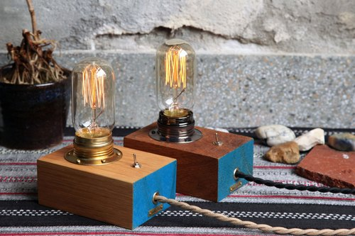 "[Election system] melon cow ""QN1."" Oak lamp holder → blue paint Limited models rugged wool / fine wood section"