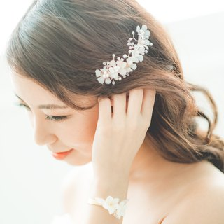 Frangipani/bridal accessory/hair accessory/handmade/wedding