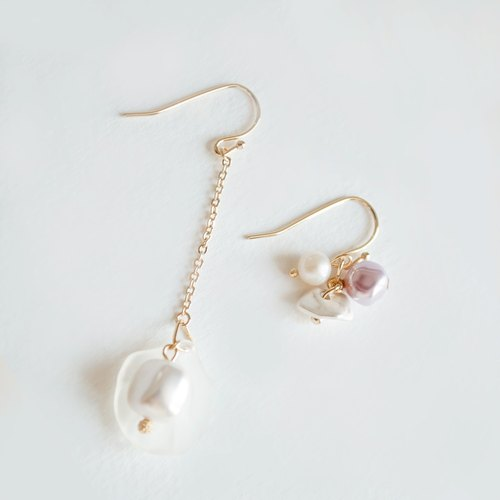 TeaTime / [afternoon tea Imagine - shells have a square pearl? Earrings Earrings / Original Handmade Glossy Small Pearls Imported Material Earrings Earrings