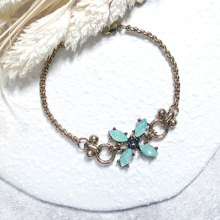 ♦ ViiArt ♦ Four Leaf - Green ♦ Vintage Retro gold vintage brass bracelet customized gift Lucky Clover