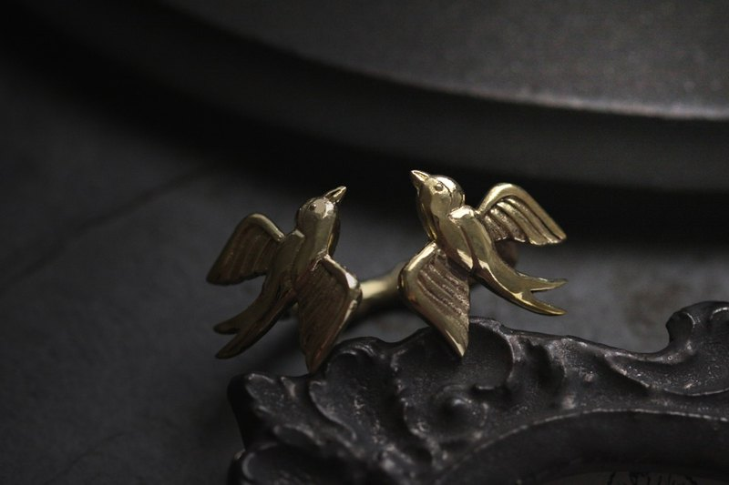 Two Swallows Ring Original design and made by Defy.