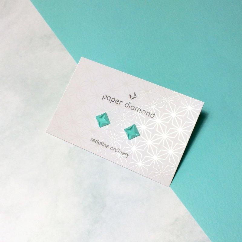 【出清品】絕版悠閒風格Tiffany Blue摺紙鑽石形耳環