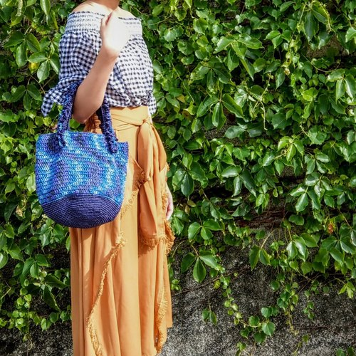 Japanese and paper line - Dyed marine blue hand-woven bag