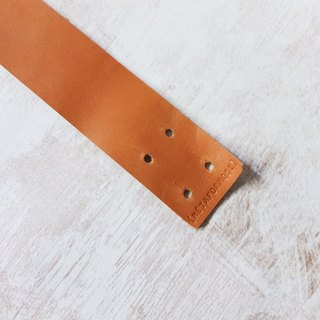 Simple leather bracelet (other colors can be customized)