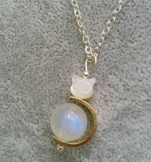 ~ 10mm blue moon stone brass, mother of pearl sterling silver necklace cat 925