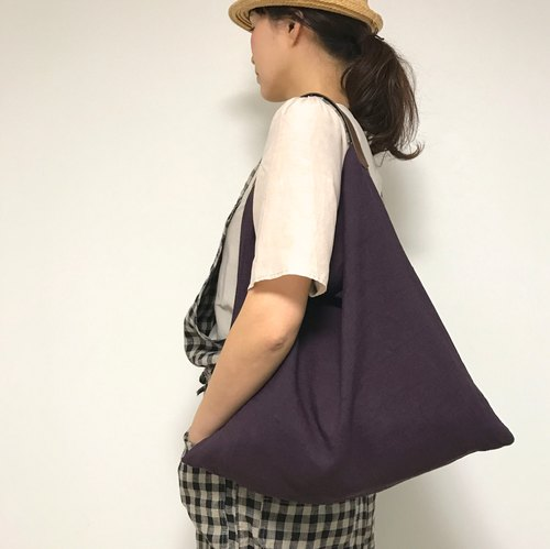 Linen and leather bag   (1 piece cloth  / purple  )