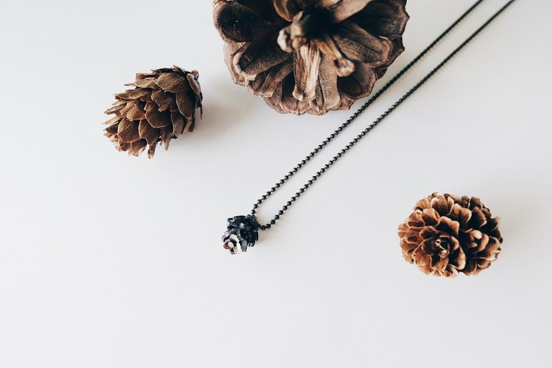 Pinecone Fall/Winter Christmas Choker Necklace